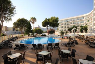 Terrasse AluaSun Torrenova Hotel Palmanova, Mallorca