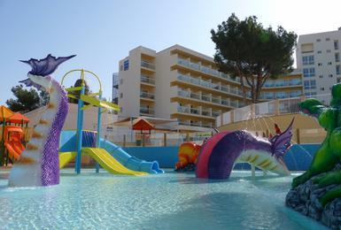 Schwimmbecken AluaSun Torrenova Hotel Palmanova, Mallorca